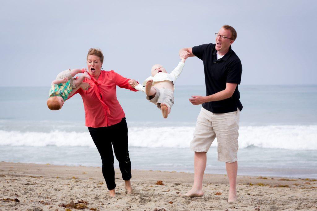 Приколы на пляже: 35 смешных фото