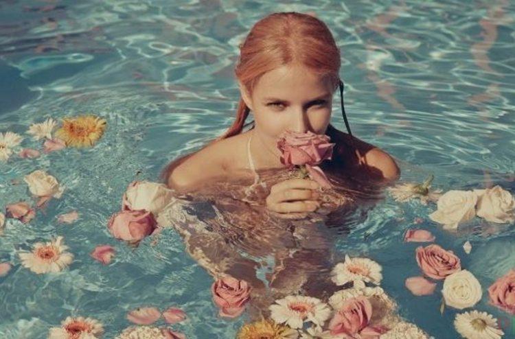 Нет ничего прекраснее девушек с цветами, 35 фотодоказательств